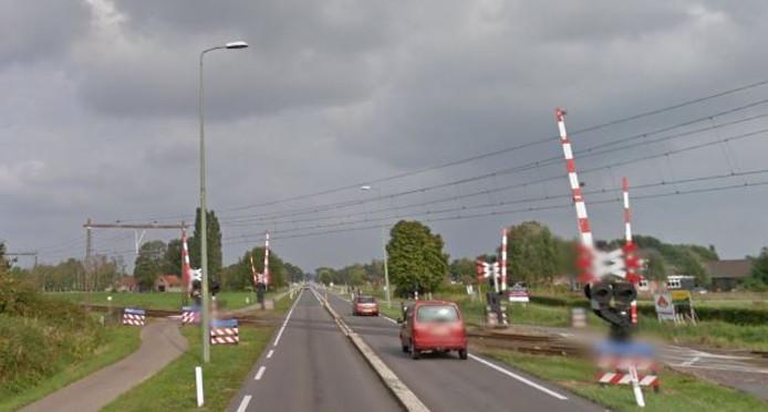 Ook de spoorwegovergang in de Nijkerkerstraat, tussen Putten en Nijkerk, wordt in het weekend van 10, 11 en 12 augustus afgesloten voor verkeer.