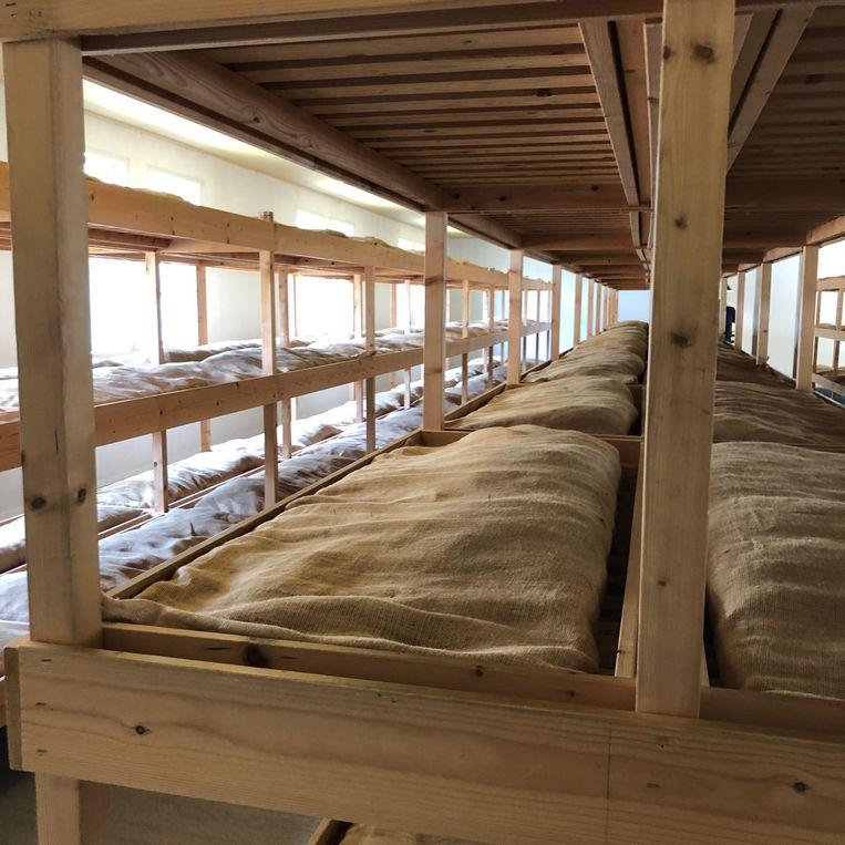 Matrassen van jute met riet. Beeld Toine Heijmans