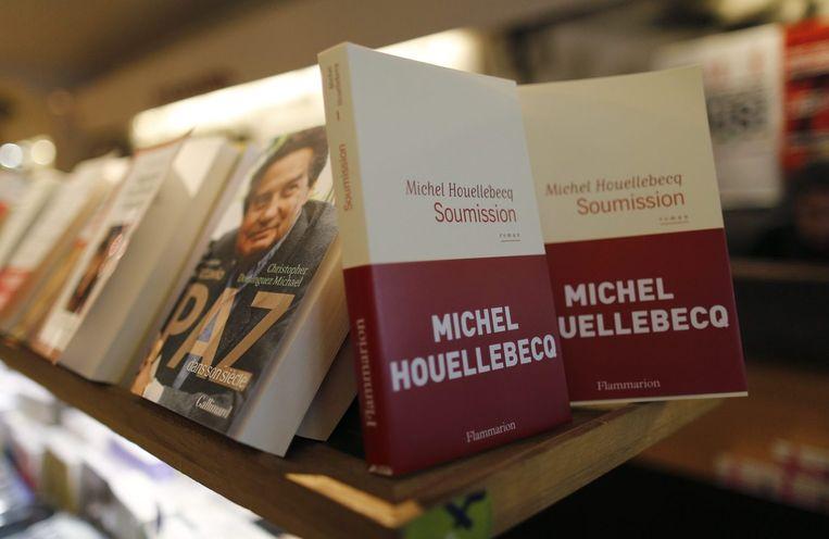 De nieuwe roman van Michel Houellebecq, Soumission, ligt sinds 7 januari in de winkel. Beeld reuters