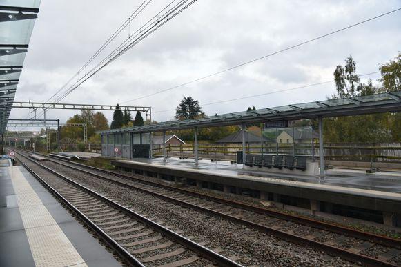 De aanrijding tussen een trein en een werfvoertuig gebeurde vlakbij het station van Hoeilaart.