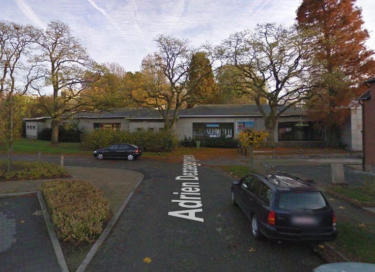 Basisschool De Tovertuin op het Adrien Dezaegerplein.