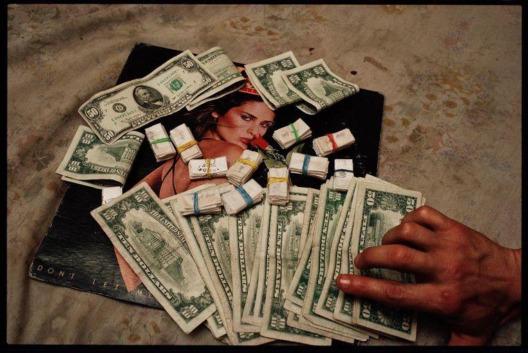 'Heroin and Money' van Joseph Rodriguez (1987). Beeld .