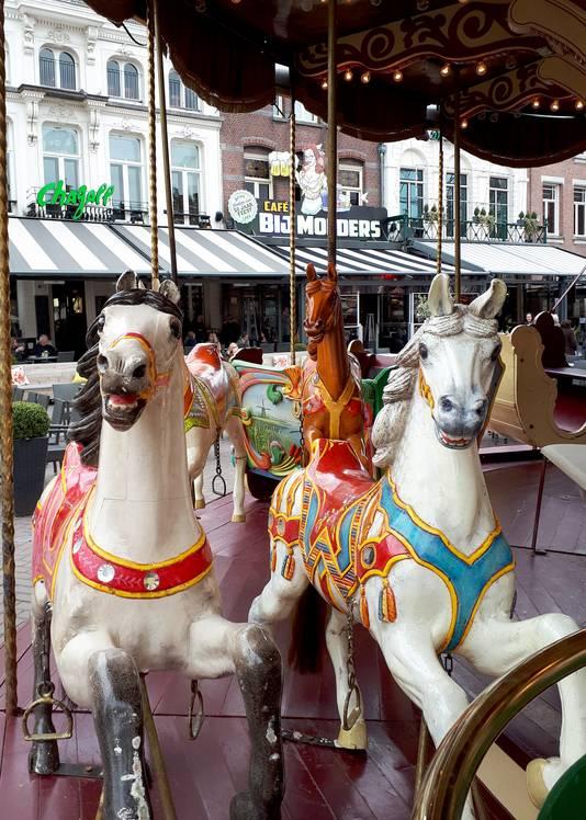 Start nostalgische kermis in Roosendaal