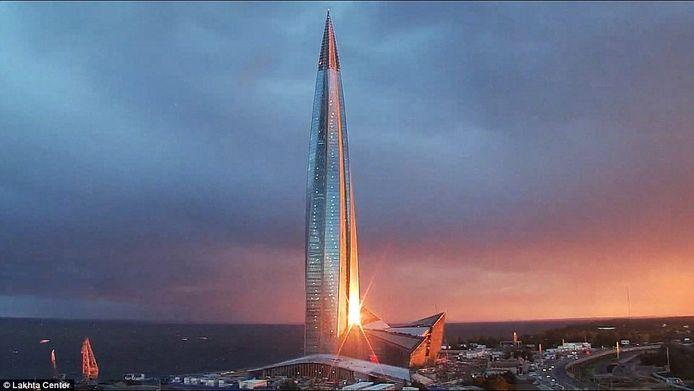 Het Lakhta Center lijkt een beetje op een vlam, die ook in het logo van Gazprom zit vervat.