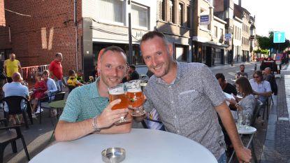 Geraardsbergsestraat beleeft eerste weekend als 'terrasstraat'