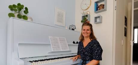 Het was haar derde keus, maar oh wat is Rebecca nu blij met haar 'Scandinavische' huis