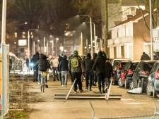 Thebe geschokt: verpleegkundige belaagd tijdens rellen in Tilburg, politie bevrijdt vrouw