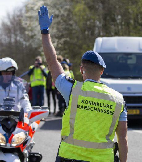 Duitser (23) opgepakt op A77 voor rijden met vals rijbewijs