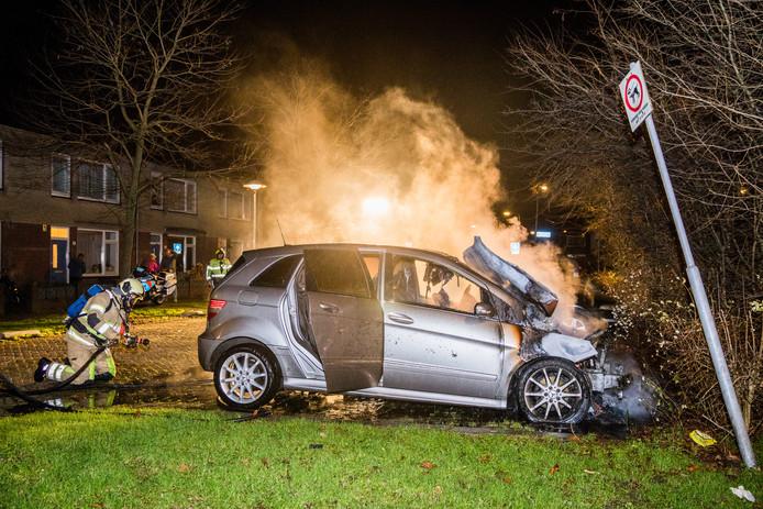 Autoverzekeraars ontkennen dat het hoge aantal autobranden in Overvecht invloed hebben op de premies.