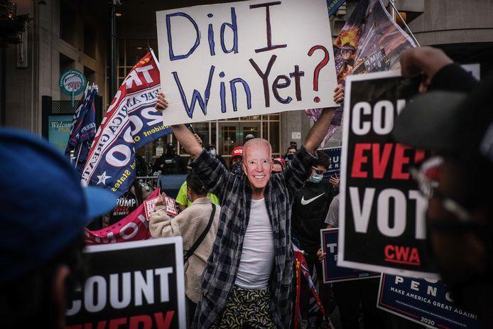 Een Biden-supporter in Philadelphia.