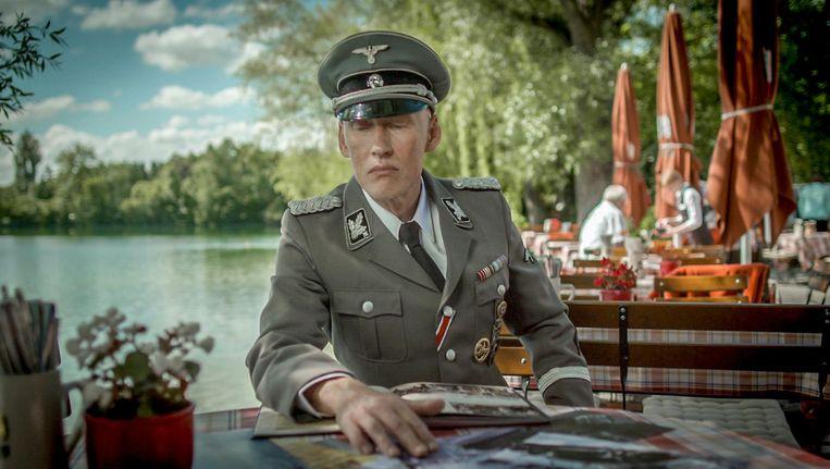 De Duitse acteur Detlef Bothe in de huid van topnazi Reinhard Heydrich Beeld
