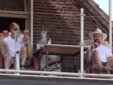 Hein en Niek zitten 11 dagen op een dak: 'Echt knettergek'