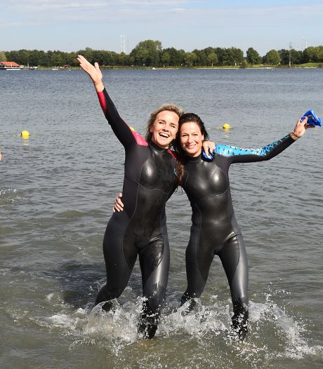 Vier Achterhoekse burgemeesters nemen duik in Stroombroek to fight cancer