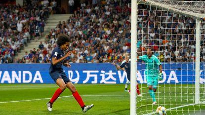 WK VROUWENVOETBAL. Klungelige owngoal deert Frankrijk niet, Duitsland klopt Spanje met kleinste verschil