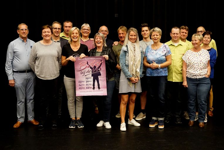 De cast van Boter bij de vis is klaar voor de première, eind november.