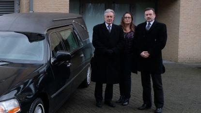"""Familiezaak 'Begrafenissen Goossens' verhuist na 70 jaar van heimat naar De Schalk: """"Ik was 14 jaar oud bij mijn eerste opbaring"""""""