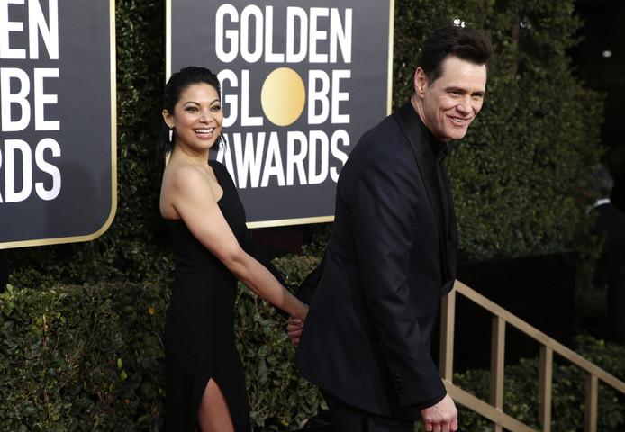 Jim Carrey is weer op de markt. Zijn relatie met actrice Ginger Gonzaga is na minder dan een jaar op de klippen gelopen.