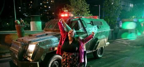 Noodtoestand Chili na rellen om verhoging ov-tarief met vier eurocent: reisadvies aangescherpt