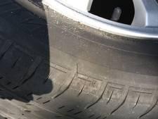 Banden van meerdere auto's lek gestoken in Gouda