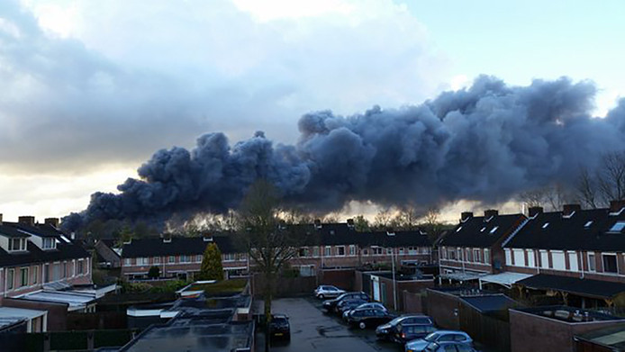 De brand in Oirschot was in de wijde omgeving te zien.