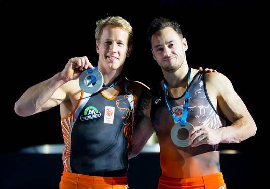 Epke Zonderland en Bart Deurloo met hun medailles.