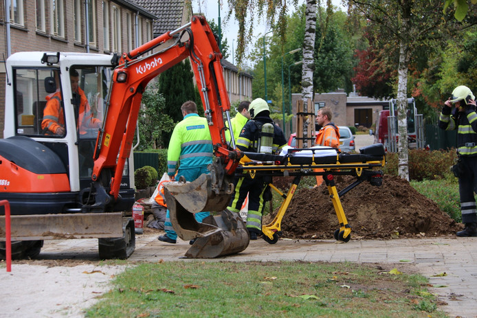 Een man is bij werkzaamheden in Cuijk onwel geraakt.