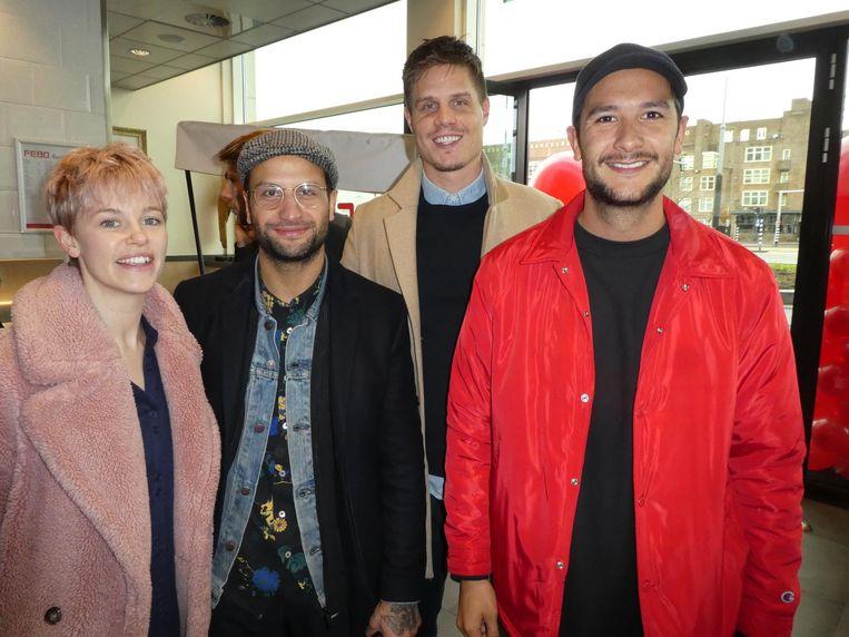 Diede Bouma (manager rapper Kalvijn), Danny Roumimper en Twan Elfers van New Kith en Yuki Kempees (Kris Kross A'dam): 'Ik hou van langoustines. En frikandellen' Beeld Schuim