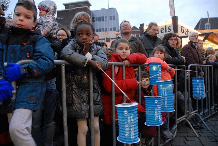 Veel kinderen hadden een lampion in de hand tijdens de intocht van Drie Koningen