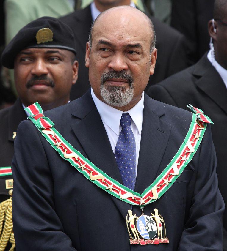 Desi Bouterse tijdens de militaire parade de donderdag na zijn inauguratie. Beeld anp