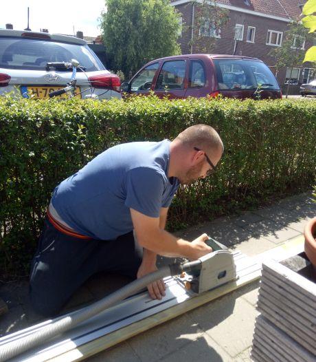 In de Pioenroosstraat in Eindhoven: Altijd iets te knutselen bij David en Marie