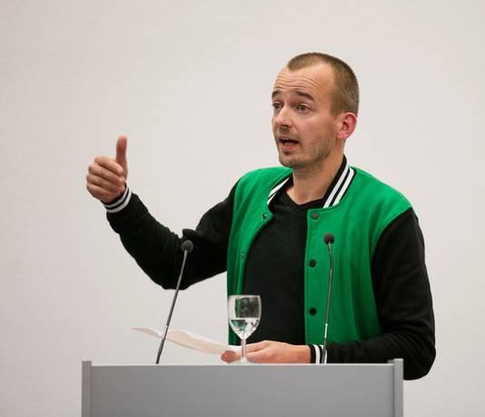 Artistiek leider Klaas Burger van de Academie voor Beeldvorming, deelnemer aan het debat
