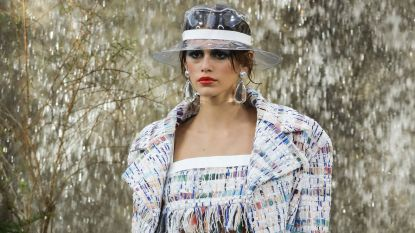 16-jarige dochter van Cindy Crawford ontwerpt collectie voor Karl Lagerfeld