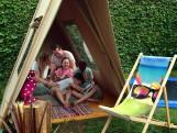 Geen vakantie? Tover je achtertuin om tot gezellige camping