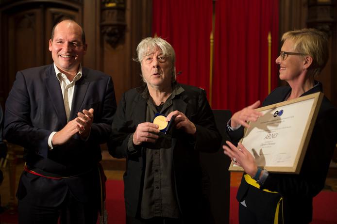 Arno lors de sa nomination en tant que citoyen d'honneur de la ville de Bruxelles.