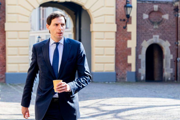 Minister Wopke Hoekstra van Financiën komt aan voor de wekelijkse ministerraad op het Binnenhof. Beeld BSR