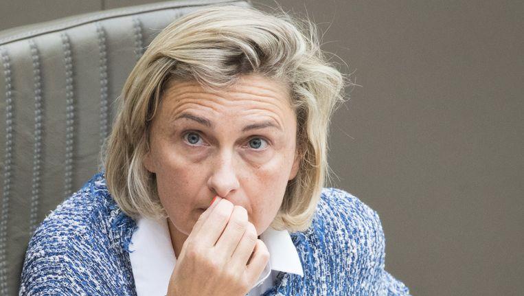 """Onderwijsminister Hilde Crevits: """"Moeders & vaders. Laat ze ons koesteren, meer dan ooit. En ja, ook hun dag""""."""
