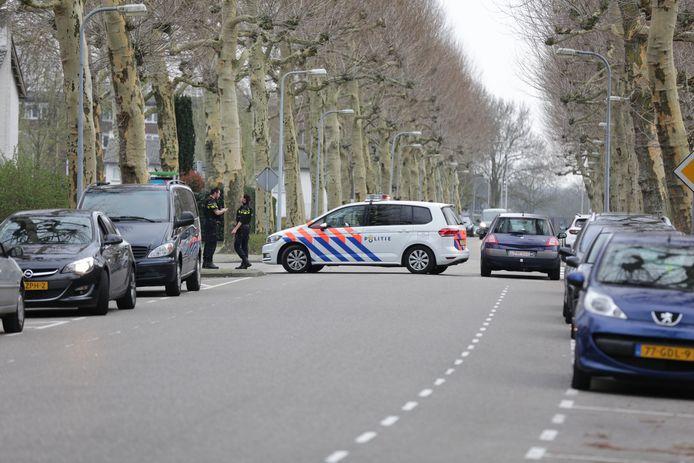 De politie is bezig met een onderzoek na een schietincident aan Sint Jozefslaan in Weert