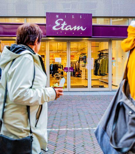 Tientallen winkels dicht, ongedierte en geen loon: het is een grote bende bij Miss Etam