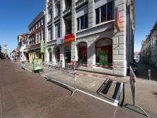 Opnieuw fietsparkeervakken in de Oudestraat in Kampen ingericht