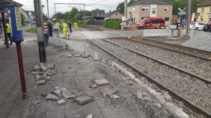 """Stad vraagt uitleg aan Infrabel na treinongeval Sinaai: """"Geen transporten meer met gevaarlijke stoffen op grondgebied in afwachting van grondige evaluatie"""""""