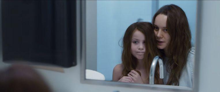 Jacob Tremblay en Brie Larson in Room. Beeld