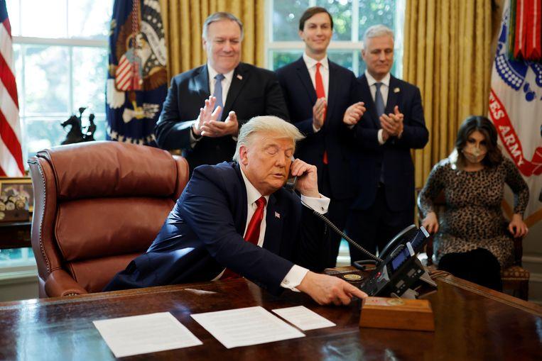 President Trump belt vrijdag zijn collega Netanyahu van Israël.  Beeld REUTERS