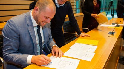 Theo Francken legt eed af als burgemeester van Lubbeek