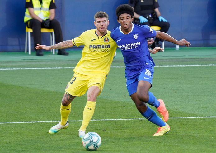 Moreno (l) staat momenteel onder contract bij Villareal.