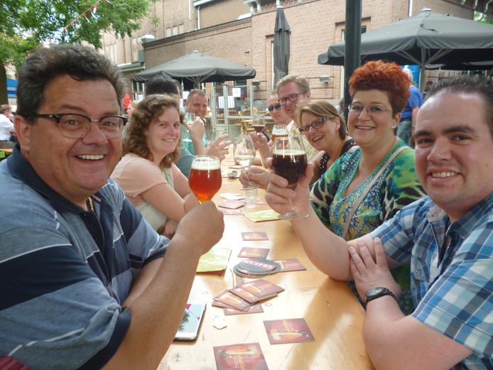 Een 'Geffense' tafel met louter speciaalbierfreaks en één wijndrinkster.