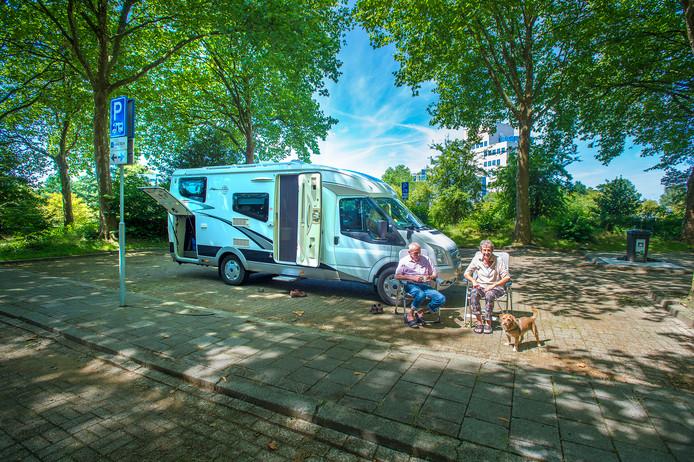 Gemeente verbetert verlichting camperplaats Centraal Beheer in ...