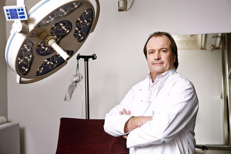 Plastisch chirurg Jeff Hoeyberghs was in 2010 te zien in 'De Hoffkliniek' op VTM.