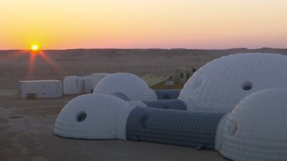 """""""Dichter dan ooit bij Mars"""": 200 wetenschappers bereiden missie naar rode planeet voor in woestijn van Oman"""