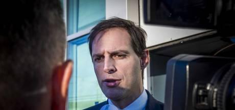 Minister Hoekstra ziet niets in verkoop 6%-belang KLM