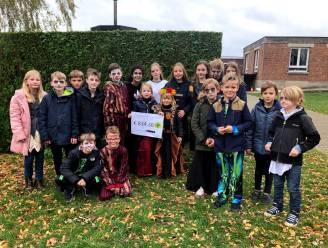 Leerlingen van Het Groene Lilare Michelbeke schenken 840,30 euro aan Welzijnsschakels Brakel